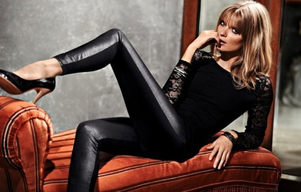 Calzedonia Catalog Fall-Winter 2011-2012